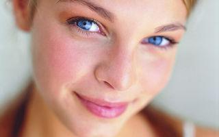 Как убрать красноту с лица