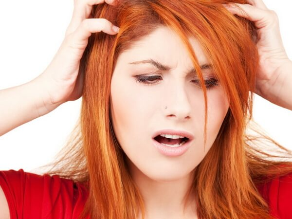 после покраски волос чешется голова